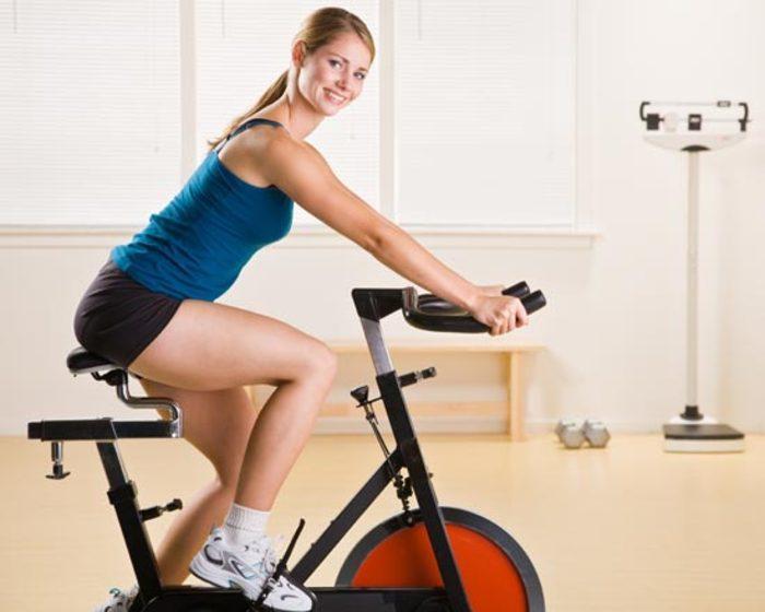 Rotopéd, cyklotrenažér a ich porovnanie
