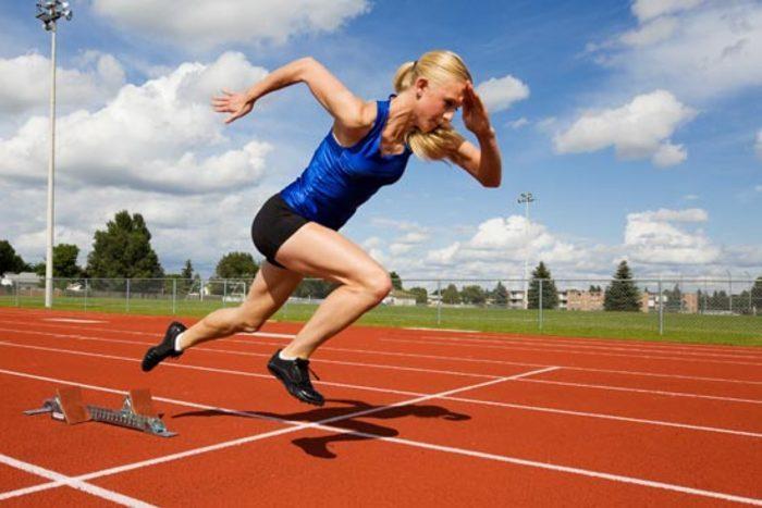 Závislosť medzi drepom a bežeckým výkonom