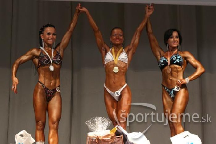 MSR vo fitness, bodyfitness, bikiny a kulturistike žien Nitra 2013