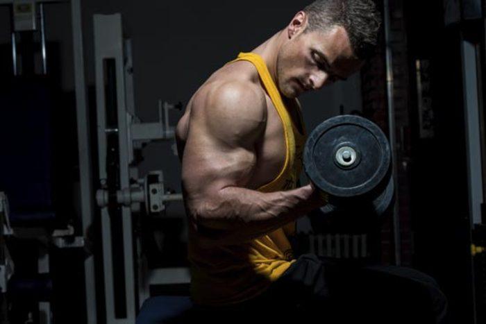 Preciťovanie svalov pri kulturistickom tréningu