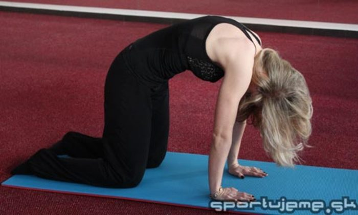 pilates Cat Stretch Mačací chrbát