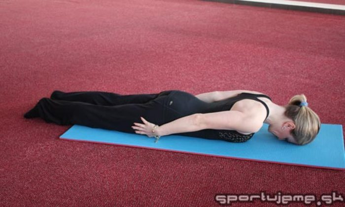 Pilates abeceda - Torpédo (Back preparation – hands by hips)